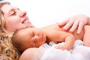 В период после родов женщинам необходимо использовать специальные уро логические или послеродовые прокладки