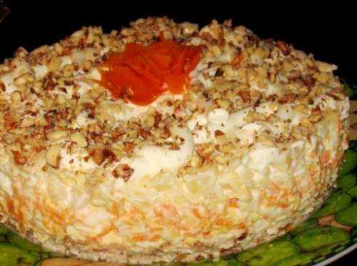 Узнай рецепт салата с копчёными окорочками,