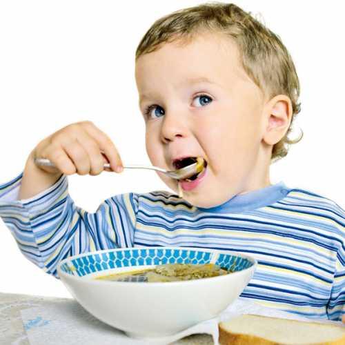 Рыбу добавляют также при приготовлении овощного супа, при этом кладутдля аромата
