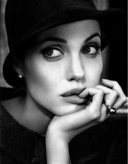 Мадонна августа