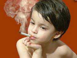 Травка спайс или её следы в карманах, на одежде курящего ребёнка