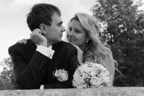 Оформленная таким образом свадьба отличается роскошью, шиком и богатством и выполнена в стиле х годов