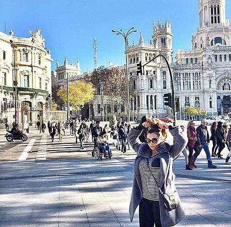 Анфисе Чеховой признались в любви в Испании