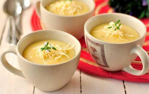 В отличие от пюре он обладает более нежной структурой, в него добавляют соус