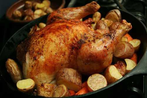 На ужин или праздничный обед приготовьте чтонибудь с золотистой сырной корочкой, нежной картошкой и ароматной курицей