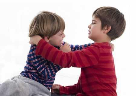 Обратите внимание не только на то, ЧТО вы говорите ребёнку, но и