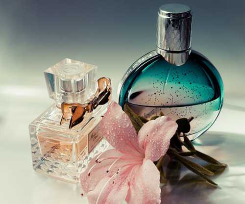 Компоненты, которые содержатся в них, слегка фиксируют аромат, не давая ему быстро улетучиться