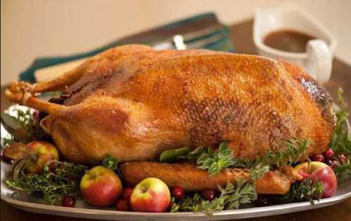Рецепт приготовления гуся в рукаве считается самым простым, так как птица не подгорает и сохраняет в себе всю сочность