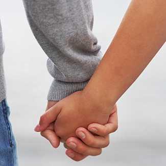 Он, как мог, пытался скрасить отношения, поэтому и не стал портить вам жизнь правдивыми объяснениями
