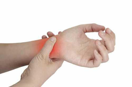 Большой и указательный пальцы на правой стороне вероятнее проблема в позвоночнике, в шейном корешке