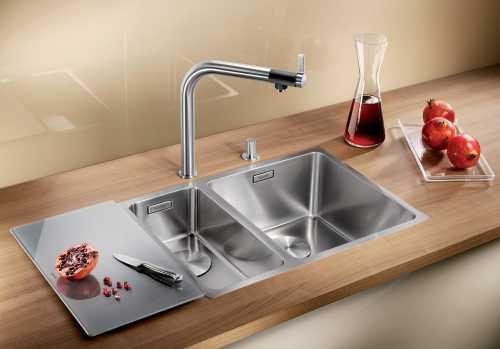 В классическом виде кухонная мойка имеет одну чашу, непосредственное предназначение которой мытье посуды