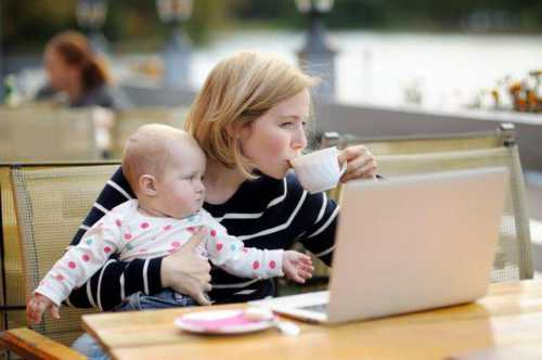 Пара чашек некрепкого черного чая с фруктозой или вовсе без сахара разрешенная дневная норма в период лактации