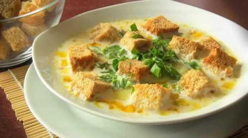 Рис прекрасно сочетается со сливочным вкусом сырного супа