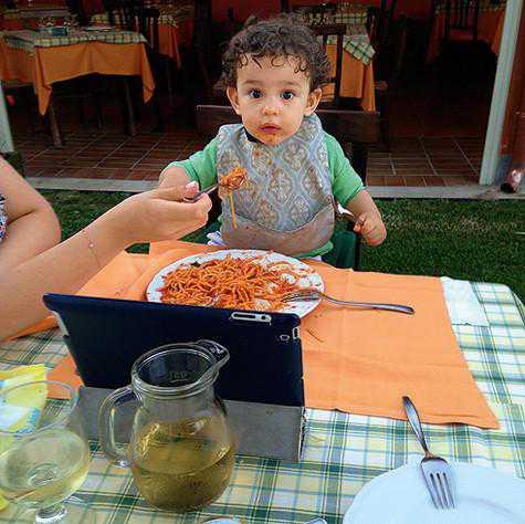 Анфиса Чехова: С рождением ребенка мы превратились в семью